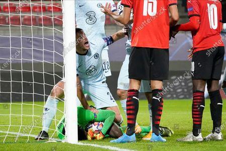 Cesar Azpilicueta of Chelsea protects his goalkeeper Edouard Mendy of Chelsea