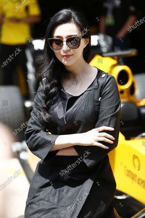 Shanghai International Circuit, Shanghai, China. Sunday 17 April 2016. Chinese actress, Fan Bing Bing. World Copyright: Andy Hone/LAT Photographic