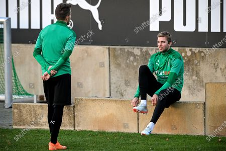 Moenchengladbach's Christoph Kramer (R) and Patrick Herrmann (L) arrive for a training session at the training ground of Borussia-Park in Moenchengladbach, Germany, 24 November 2020, on the eve of their UEFA Champions League group B soccer match against Shaktar Donetsk.