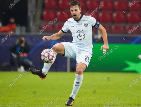 Cesar Azpilicueta of Chelsea in action during the UEFA Champions League group E soccer match between Stade Rennes and Chelsea FC in Rennes, France, 24 November 2020.