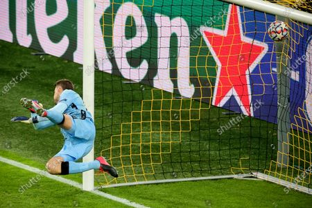 Brugge's goalkeeper Simon Mignolet concedes the 0-2 goal during the UEFA Champions League group F soccer match between Borussia Dortmund and Club Brugge in Dortmund, Germany, 24 November 2020.