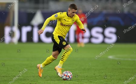 Thorgan Hazard of Dortmund runs with the ball during the UEFA Champions League Group F stage match between Borussia Dortmund and Club Brugge KV at Signal Iduna Park in Dortmund, Germany, 24 November 2020.