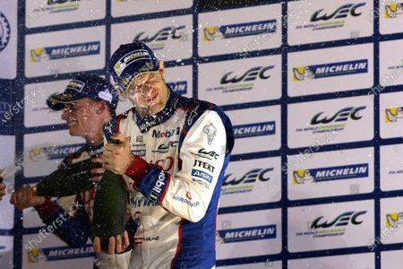 2015 FIA World Endurance Championship, Bahrain International Circuit, Bahrain. 19th - 21st November 2015. Alexander Wurz Toyota Racing Toyota TS040 Hybrid . World Copyright: Jakob Ebrey / LAT Photographic.