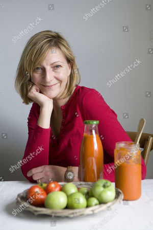 Rose Prince with her Marrow, Apple and red/green Tomato chutney
