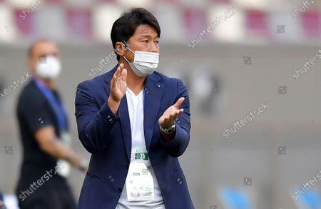 Kobe head coach Atsuhiro Miura during the AFC Champions League group G match between Guangzhou Evergrande and Vissel Kobe at the Khalifa International Stadium in Doha, Qatar, 25 November 2020.