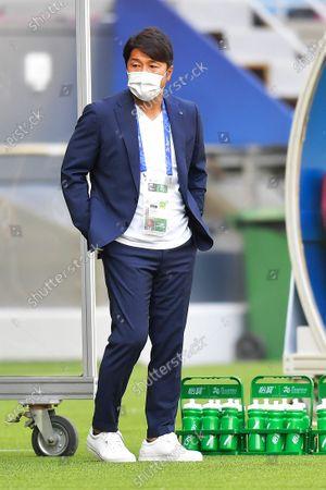 Coach of team Kobe Atsuhiro Miura during the AFC Champions League group G match between Guangzhou Evergrande and Vissel Kobe at the Khalifa International Stadium in Doha, Qatar, 25 November 2020.