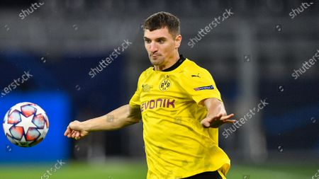 Dortmund's Thomas Meunier plays during the Champions League group F soccer match between Borussia Dortmund and Club Brugge in Dortmund, Germany