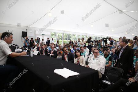 2014/2015 FIA Formula E Championship. London e-Prix, Battersea Park, London, UK. Saturday 27 June 2015. Jean Todt - FIA President asks a question to Sir Richard Branson, Alex Tai and Yves Bonnefont at the Virgin Racing and DS Automobiles Press Conference. World Copyright: Glenn Dunbar/LAT Photographic/Formula E.