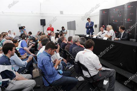 2014/2015 FIA Formula E Championship. London e-Prix, Battersea Park, London, UK. Saturday 27 June 2015. Sir Richard Branson, Alex Tai and Yves Bonnefont at the Virgin Racing and DS Automobiles Press Conference. World Copyright: Steven Tee/LAT Photographic/Formula E.