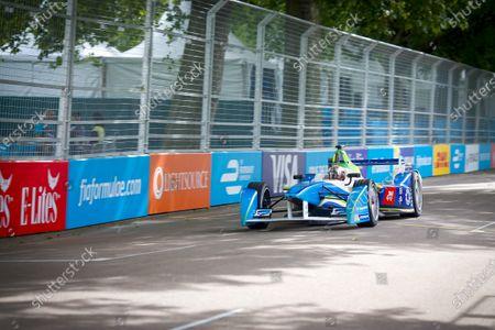 2014/2015 FIA Formula E Championship. London e-Prix, Battersea Park, London, UK. Sunday 28 June 2015. Jarno Trulli (ITA)/Trulli Racing - Spark-Renault SRT_01E  World Copyright: Adam Warner/LAT Photographic/Formula E.