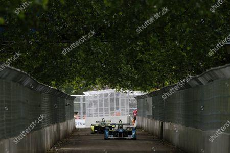 2014/2015 FIA Formula E Championship. London ePrix, Battersea Park, London, United Kingdom. Sunday 28 June 2015 Jarno Trulli (ITA)/Trulli Racing - Spark-Renault SRT_01E leads Nelson Piquet Jr (BRA)/China Racing - Spark-Renault SRT_01E  Photo: Zak Mauger/LAT/Formula E