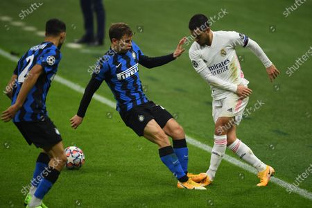 Eden Hazard (Real Madrid) Nicolo Barella (Inter) Achraf Hakimi (Inter) during the Uefa Champions League match between Inter 0-2 Real Madrid at Giuseppe Meazza Stadium in Milano, Italy.