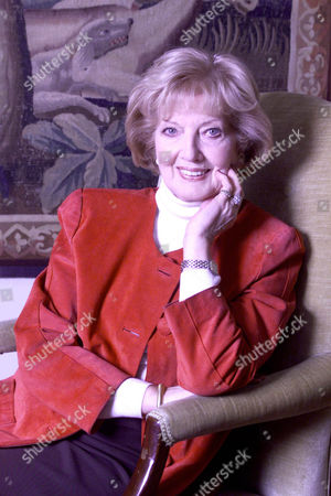 Janet Brown Widow Of Peter Butterworth Also Pictured With A Silver Snuff Box The First Gift Her Husband Gave Her