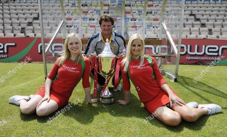 Cricket Twenty20 Press Call Rose Bowl Hampshire. Robert Key Poses With Npower Girls.
