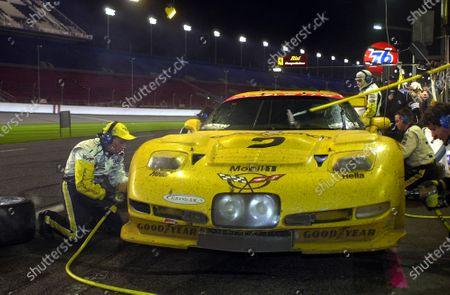 2001 Rolex Daytona 24 Hours Grand Am Series. Daytona International Speedway, Daytona Beach, Florida, USA. 3rd - 4th February 2001. Rd 1.  Johnny O'Connell/Ron Fellows/Chris Kneifel/Franck Freon (Chevrolet Corvette C5-R), 1st position, pit stop action.  World Copyright: ?F.Peirce Williams / LAT USA. Ref:  fpw-2vette-pitstop.jpg