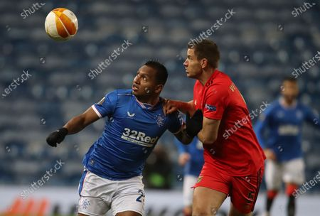 Alfredo Morelos (L) of Rangers in action against Jan Vertonghen (R) of Benfica during the UEFA Europa League goup D soccer match between Glasgow Rangers and Benfica Lisbon in Glasgow, Britain, 26 November 2020.