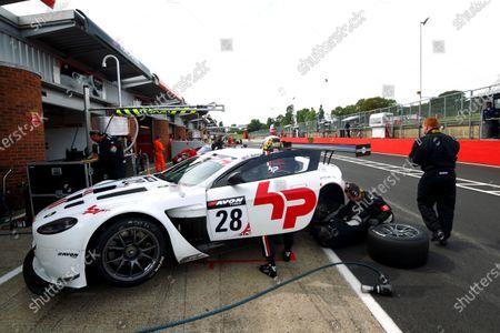 2014 Avon Tyres British GT Championship, Brands Hatch, Kent. 30th - 31st August 2014. Paul Bailey / Andy Schulz HorsePower Racing Aston Martin Vantage GT3. World Copyright: Ebrey / LAT Photographic.