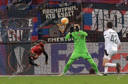 CSKA goalkeeper Igor Akinfeev (center)