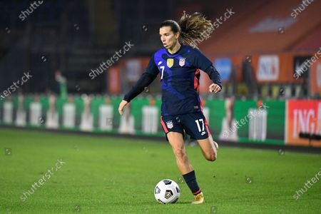 United States' Tobin Heath plays the ball during the international friendly women's soccer match between The Netherlands and the US at the Rat Verlegh stadium in Breda, southern Netherlands