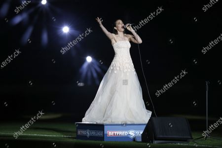 Laura Wright performs Jerusalem before the match