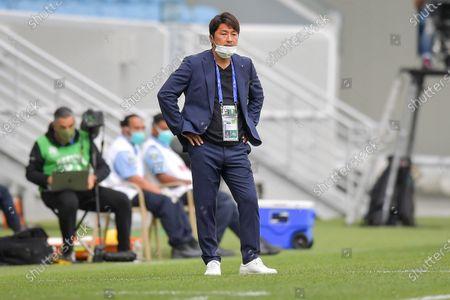 Atsuhiro Miura, head coach of Kobe looks on during the AFC Champions League group G match between Vissel Kobe and Guangzhou Evergrande at Al-Janoub Stadium in Al-Wakrah, Qatar, 28 November 2020.