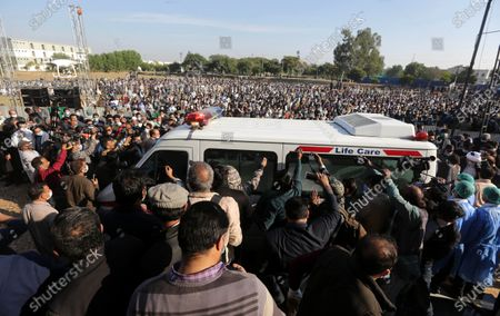 Supporters of former Pakistani prime minister Nawaz Sharif, attend the funeral ceremony of Sharif's mother Begum Shamim Akhtar, in Lahore, Pakistan, 28 November 2020.