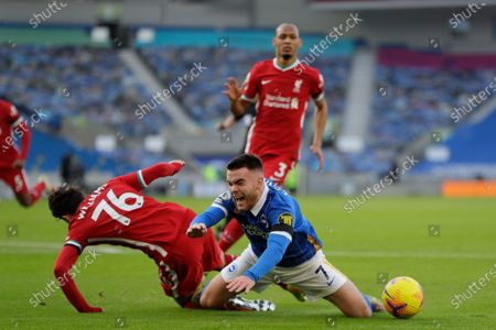 Neco Williams of Liverpool FC (L) and Aaron Connolly of Brighton (R) in action during the English Premier League soccer match between Brighton Hove Albion and Liverpool FC in Brighton, Britain, 28 November 2020.