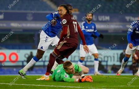 Everton goalkeeper Jordan Pickford (1) saves from Leeds United forward Helder Costa (17)  during the Premier League match between Everton and Leeds United at Goodison Park, Liverpool