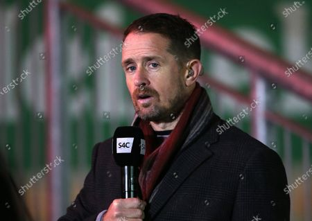 Wales' Shane Williams doing commentary for S4C.