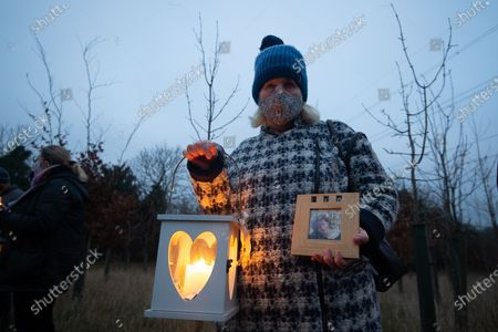 Chiltern resident Janet tragically lost her Rebecca daughter to cancer when she was just 26 and came to show her respect. A candle lit vigil was held at dusk today at the Rennie Grove Hospice Care Wendover Memorial Garden. HS2 have destroyed a number of memorial trees there causing great upset amongst families who have planted memorial trees for their children and scattered their ashes amongst the sapling trees there. The vigil was arranged by locals and members of the Stop HS2 camps from Jones Hill Wood and the Wendover Resistance Camp attended as a mark of respect to the families