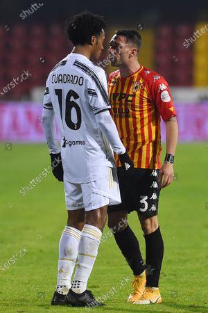 Juan Cuadrado of Juventus,Gaetano Letizia of Benevento