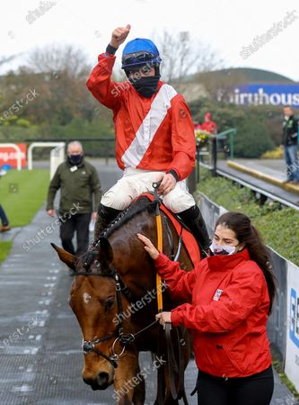The BARONERACING.COM Drinmore Novice Steeplechase. Jack Kennedy on Envoi Allen after winning