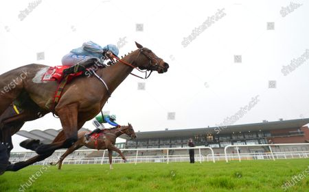 Stock Picture of FAIRYHOUSE 29-November-2020. The Baroneracing.com Hatton's Grace Hurdle (Grade 1) HONEYSUCKLE and Rachael Blackmore hold off RONALD PUMP (far side) to win for owner Kenneth Alexander and trainer Henry de Bromhead. Healy Racing