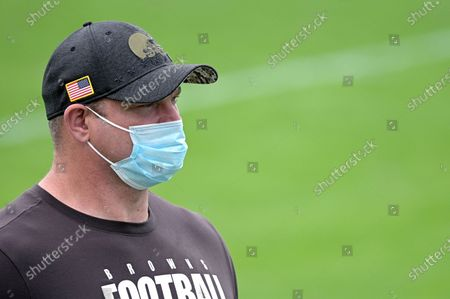 Former Cleveland Browns offensive tackle Joe Thomas watches warmups before an NFL football game against the Jacksonville Jaguars, in Jacksonville, Fla