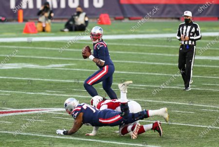 Foxborough, MA, USA; New England Patriots quarterback Cam Newton (1) in action during the NFL game between Arizona Cardinals and New England Patriots at Gillette Stadium