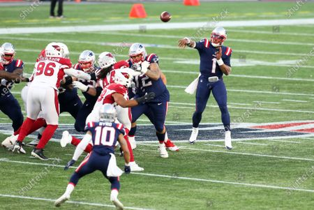 Foxborough, MA, USA; New England Patriots quarterback Cam Newton (1) throws a pass to New England Patriots wide receiver Damiere Byrd (10) during the NFL game between Arizona Cardinals and New England Patriots at Gillette Stadium