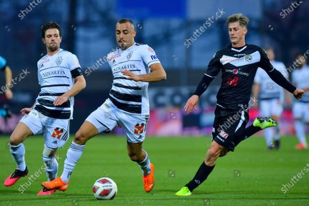 Arthur Cabral (#98 FC Basel 1893), Valentin Stocker (#14 FC Basel 1893) and Roman Macek (#77 FC Lugano) in action