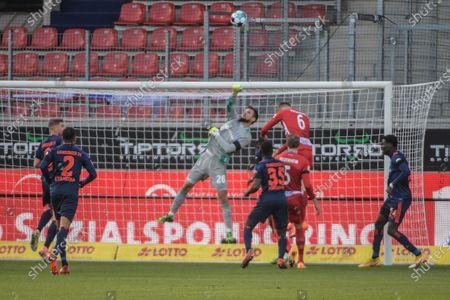 Glanzparade Torwart Sven Ulreich (Hamburger SV #26),1.FC Heidenheim