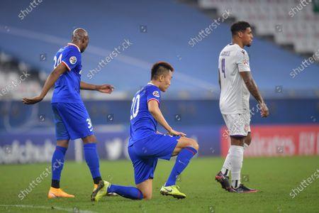 Kim Shin-Wook (C) of Shenhua reacts after the AFC Champions League group F match between Shanghai Shenhua and Perth Glory at the Education City Stadium in Al Rayyan, Qatar, 30 November 2020.
