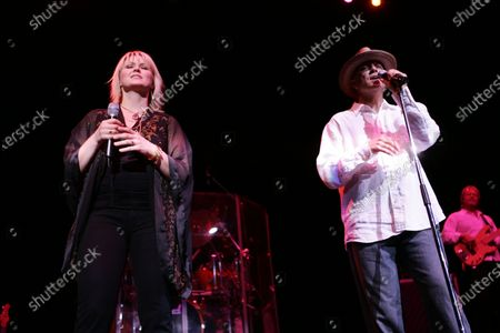 Sawyer Brown and Carolyn Dawn Johnson perform at the Sears Centre in Hoffman Estates, IL.