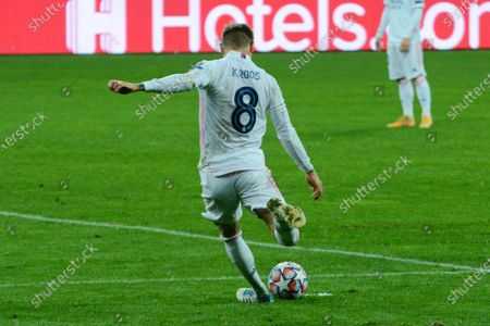 KYIV, UKRAINE - DECEMBER 01: Real Madrid's Toni Kroos action with ball during the UEFA Champions League Group B football match between Shakhtar Donetsk and Real Madrid