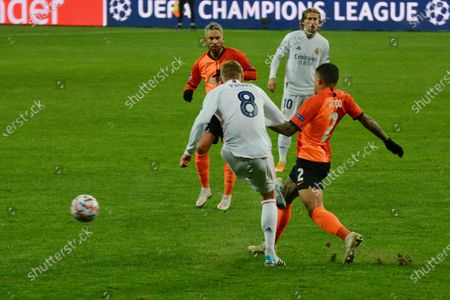 KYIV, UKRAINE - DECEMBER 01: Real Madrid's Toni Kroos (C) action with ball during  the UEFA Champions League Group B football match between Shakhtar Donetsk and Real Madrid