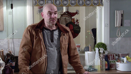 Coronation Street - Ep 10193 Monday 14th December 2020 - 1st Ep Tim Metcalfe, as played by Joe Duttine, and Elaine decide to see more of each other but Elaine's startled when Tim invites her to move into No.4.
