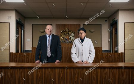Coronation Street - Ep 10187 & Ep 10188 Monday 7th December 2020 As the barristers deliver their closing speeches, Yasmeen Metcalfe, as played by Shelley King, stares nervously ahead. Also pictured: Geoff Metcalfe, as played by Ian Bartholomew.