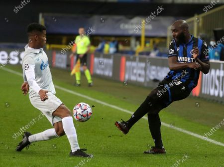 Brugge's Eder Balanta (R) in action against Zenit's Wilmar Barrios (L) during the UEFA Champions League group F soccer match between Club Brugge and Zenit St. Petersburg in Bruges, Belgium, 02 December 2020.
