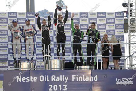 2013 FIA World Rally Championship Round 08-Rally Finland 31/7-3/8 2013. Maciek Baran, Robert Kubica, Jari Ketomaa, Marko Sallinen, John Kennard, Hayden Paddon, Podium. Worldwide Copyright: McKlein/LAT