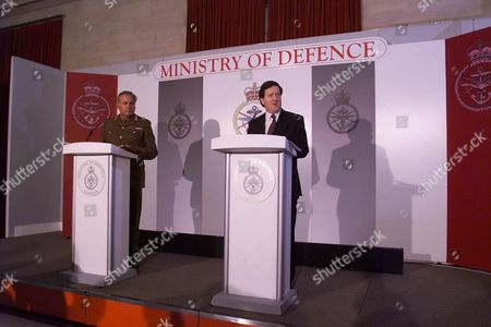 Editorial photo of Chief Of The Defence Staff General Sir Charles Guthrie (now Baron Guthrie Of Craigiebank 07.2001) And The Secretary Of State For Defence George Robertson (now Lord Robertson Of Port Ellen 8/99) At The Mod Press Conference On The Operation In Yugoslav
