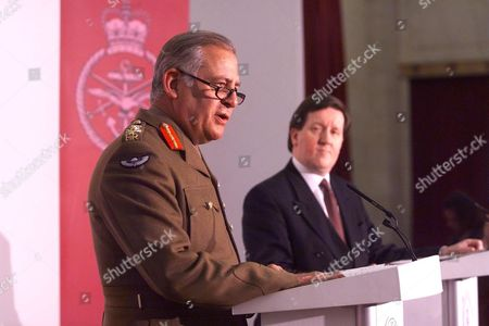 Editorial image of Chief Of The Defence Staff General Sir Charles Guthrie (now Baron Guthrie Of Craigiebank 07.2001) And The Secretary Of State For Defence George Robertson (now Lord Robertson Of Port Ellen 8/99) At The Mod Press Conference On The Operation In Yugoslav