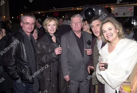 (l-r) Kevin Elyot Lindsay Duncan T.p. Mckenna Denis Lawson And Sheila Gish At The National Theatre Party Celebrating A Centenary Of Plays.