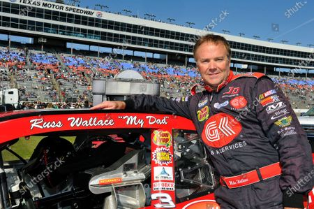 04-05 November, 2011, Fort Worth, Texas,  USA Mike Wallace with tribute to his late Dad, Russ Wallace © 2011, LAT South LAT Photo USA